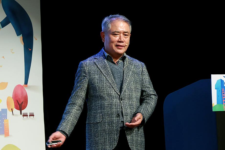 김영수 역사학자
