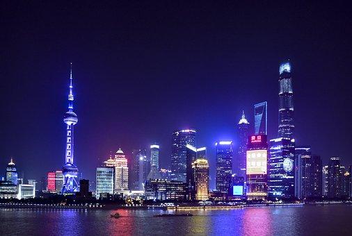몇 년 전 중국 최대 전자상거래 업체 알리바바는 광군제(光棍節) 할인 행사를 통해 단 하루 동안 약 16조 원의 수익을 거두었다.