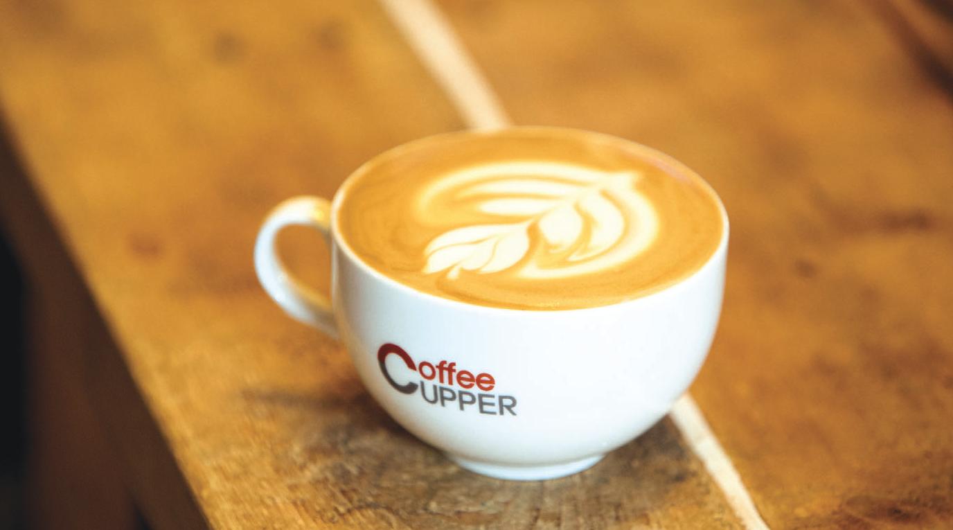 <커피커퍼>는 지난 20년간 강릉에서 커피 문화를 전파해온 커피박물관 <커피커퍼>의 최금정 관장이 집필한 '커피 백과사전'이다.